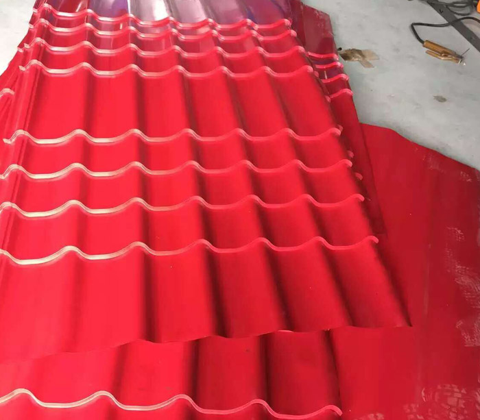 Roof panel step tile roll forming machine