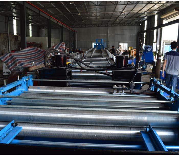 Equipo de producción de canales de bandeja de cable