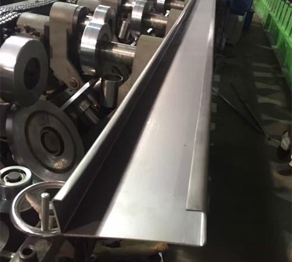 Máquina perfiladora de correas intercambiables C Z
