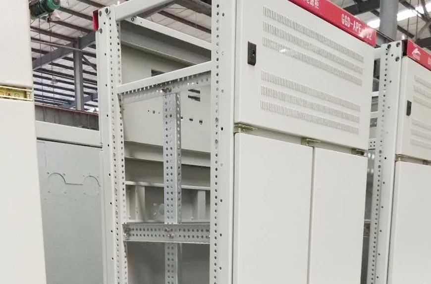Máquina formadora de metal para la fabricación de armarios de distribución de en