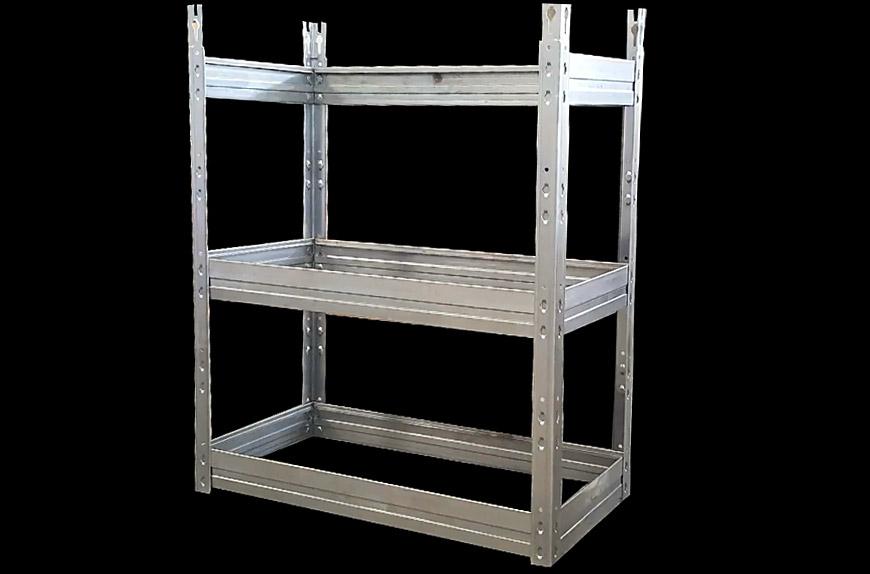 Perfiladora para la fabricación de muebles de producción utilizando estantería