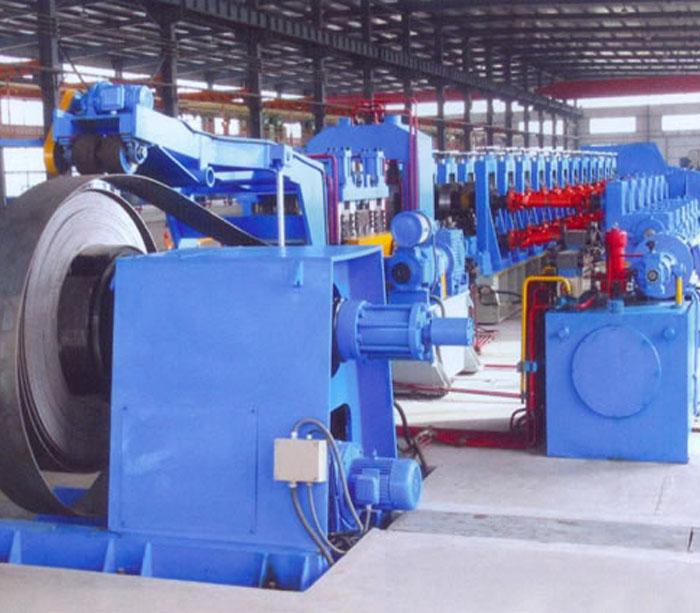 Máquina formadora de rollos de bandeja de cables