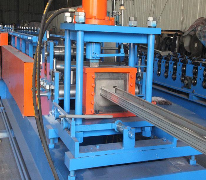 Rollo de estructura de panel solar que forma la máquina