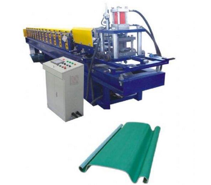 Puerta del equipo de la industria de la puerta del obturador del balanceo que forma la máquina para la venta