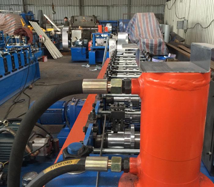 Maquinaria para la fabricación de perfiles para Perfil del canal para la construcción del techo