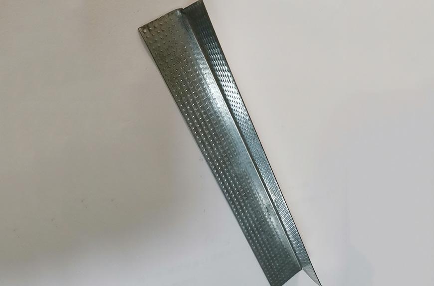 Perfiladora para la producción de perfiles de esquina de paneles de yeso.