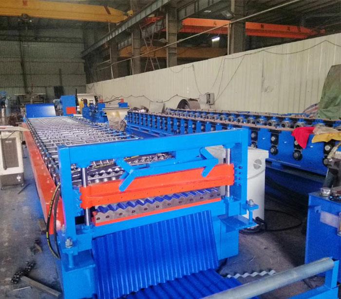 Máquina perfiladora de paneles de techo de metal corrugado