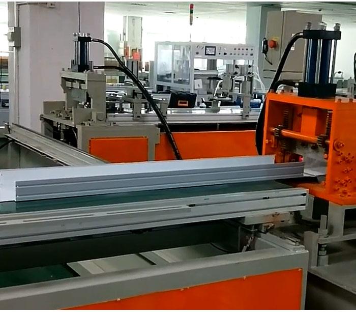 Máquina formadora de metal para pantalla fluorescente