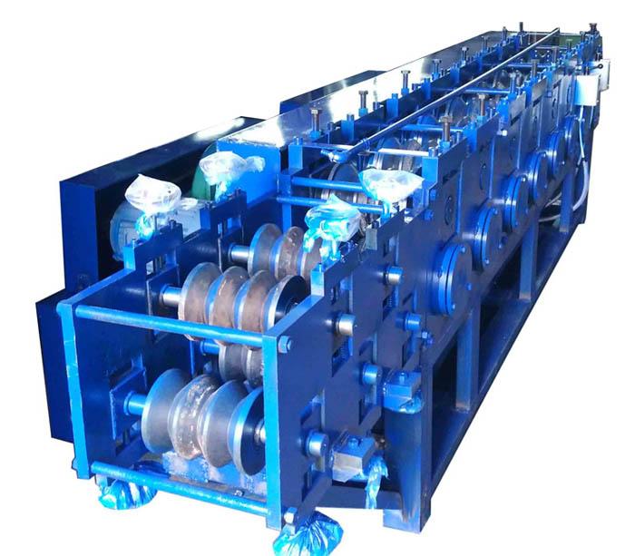 Máquina perfiladora de tubos cuadrados