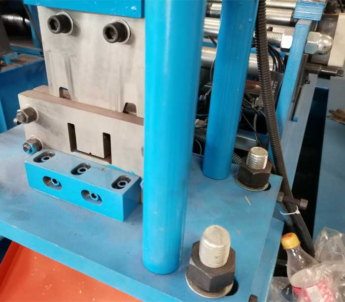 Máquina perfiladora de perfiles CU de tamaño ajustable AUTO